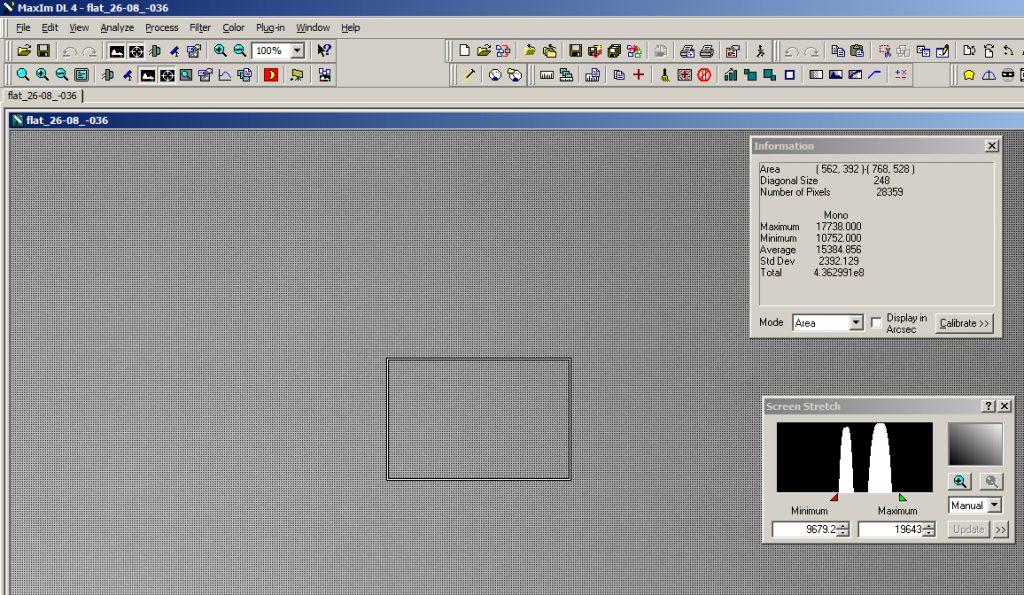 """Area di misurazione della luminosità media con MaxIm DL e rispettiva """"Information Window""""."""