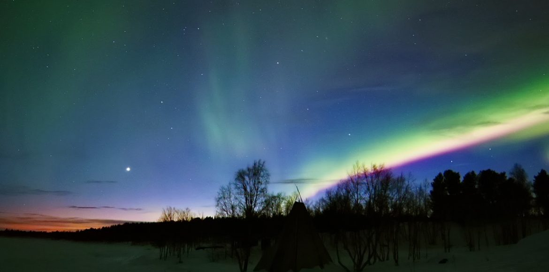 C'è davvero bisogno di descrivere a parole la bellezza dell'aurora?